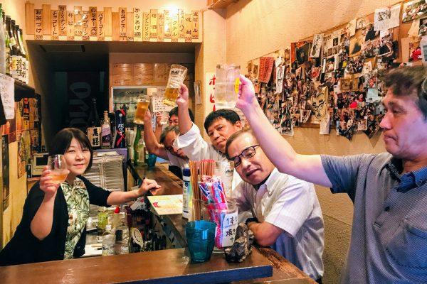 夜の鹿児島繁華街をさるく!温泉と市場と立ち飲み屋で地元に触れる旅 イメージ