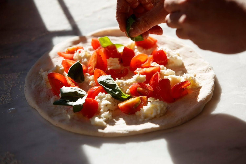 大串さんのミニトマトを使用した、フレッシュトマトのマルゲリータ