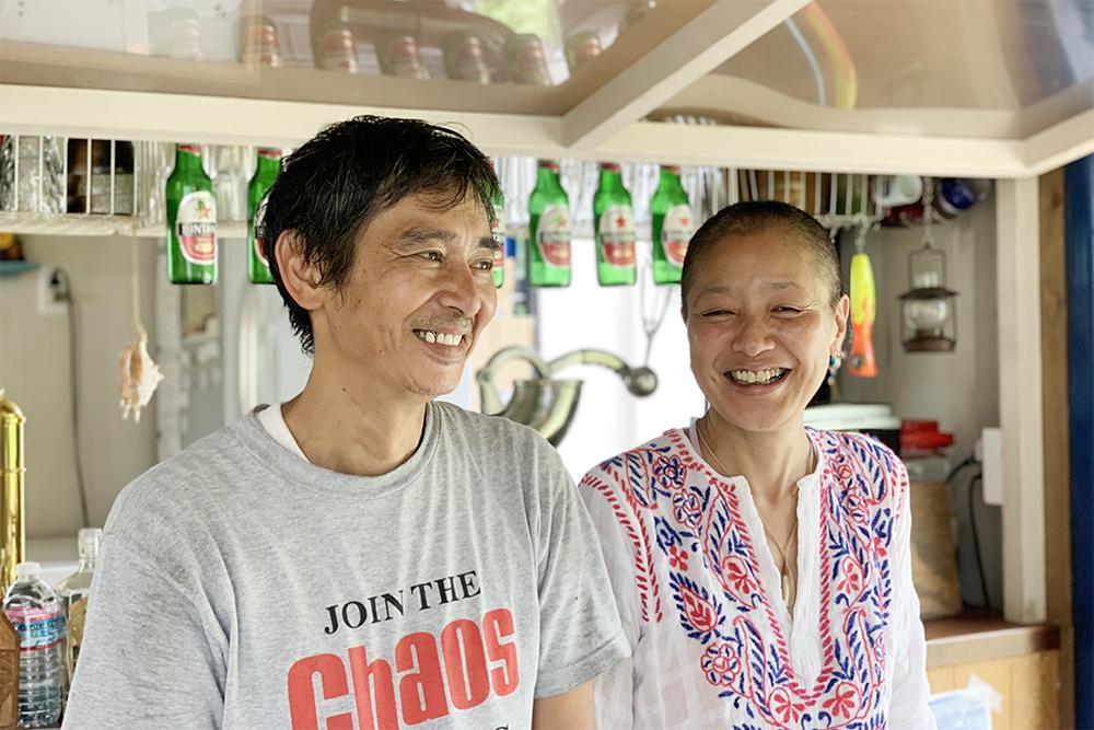 島人にも旅行客にも人気のオーナーご夫妻