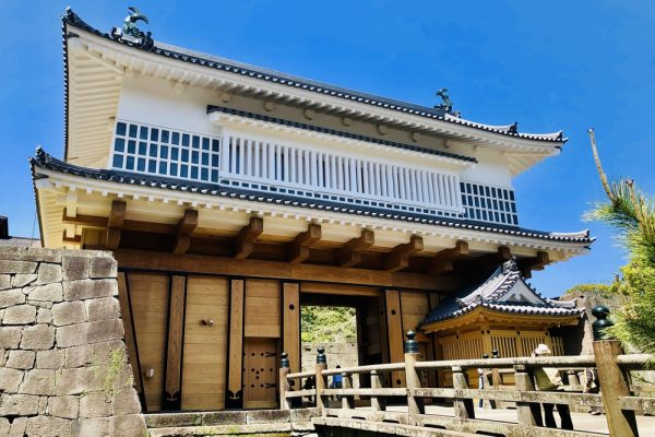 日本最大の城門「御楼門」令和に復活!見どころを紹介 イメージ