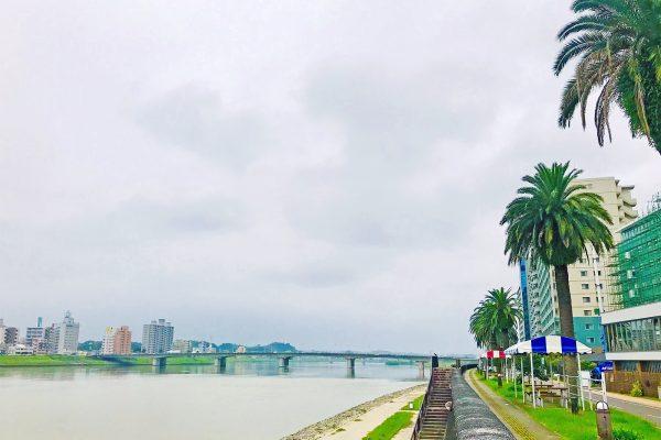 九州を「さるこう!」宮崎駅〜大淀川沿いのグルメと足湯に出逢う イメージ
