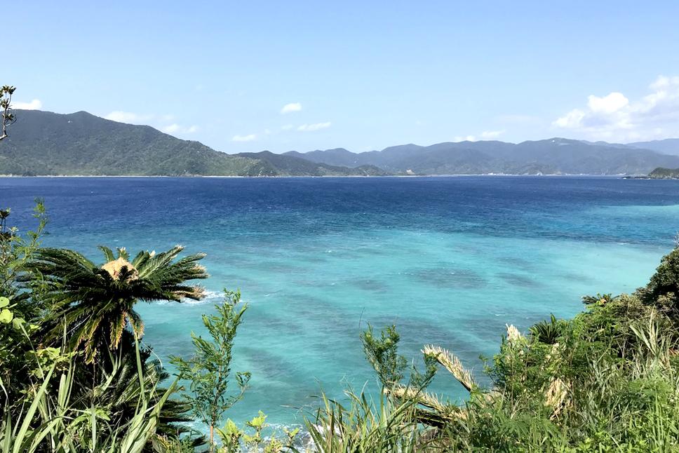 奄美大島の奥座敷・宇検村の屋鈍海岸は極上のブルーだった!