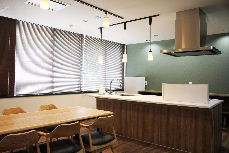 商品開発スペース 奄美 市 名瀬 コワーキング スペース Work Style Lab Inno テレワーク 奄美大島