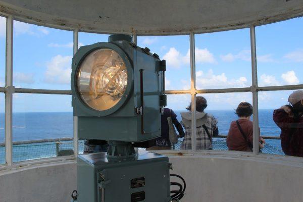 年に一度の大絶景!海風と波の迫力を肌で感じる笠利崎灯台 イメージ