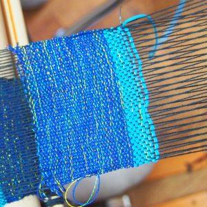 那覇市 国際通りで自由な「さをり織り」にチャレンジ!Weaving Studio MINGA