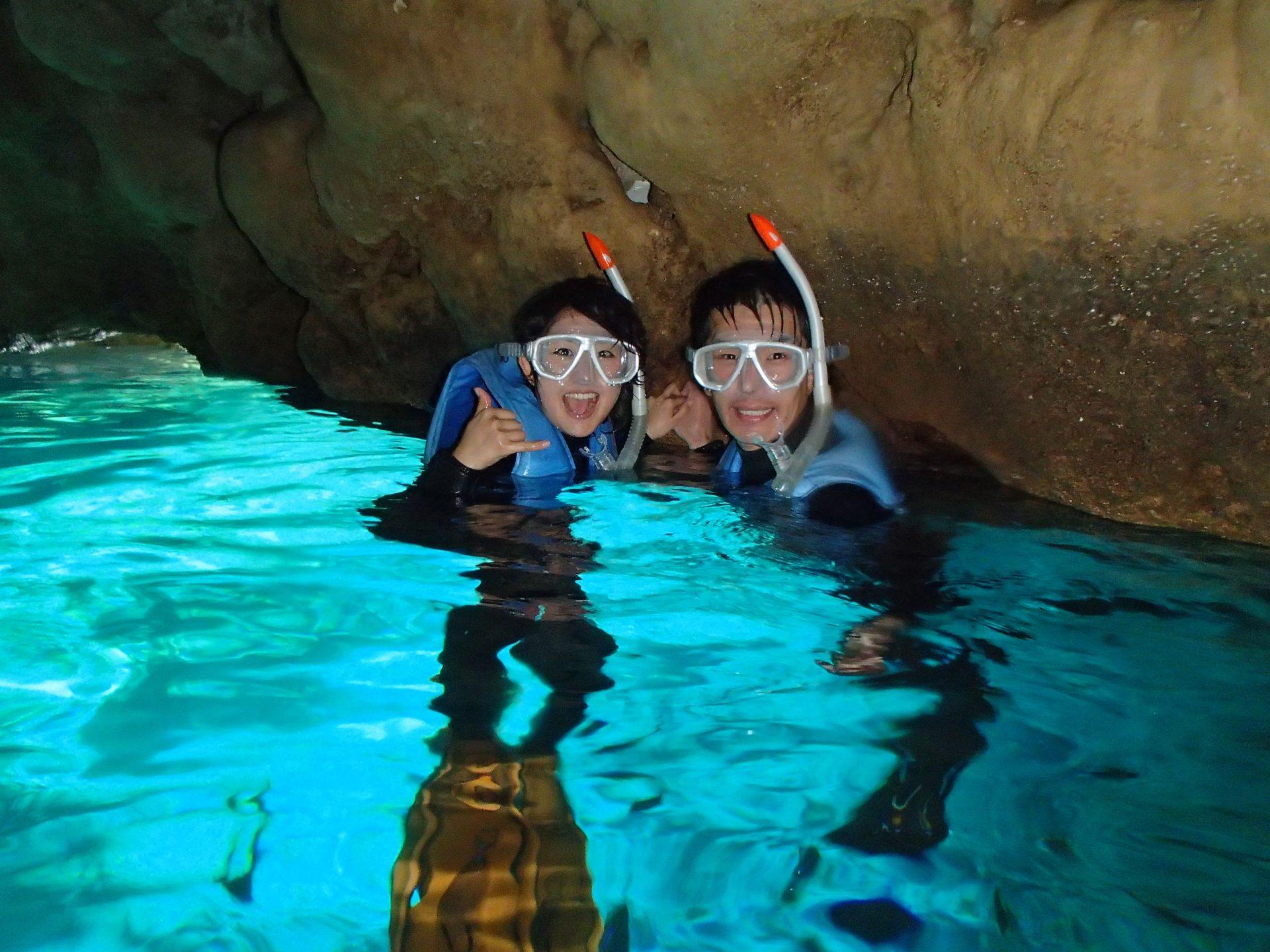 おすすめマリンアクティビティ①青の洞窟シュノーケリング+フライボート