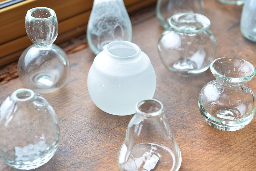 廃瓶が琉球ガラスに生まれ変わる 北中城村の「ガラス工房ブンタロウ」