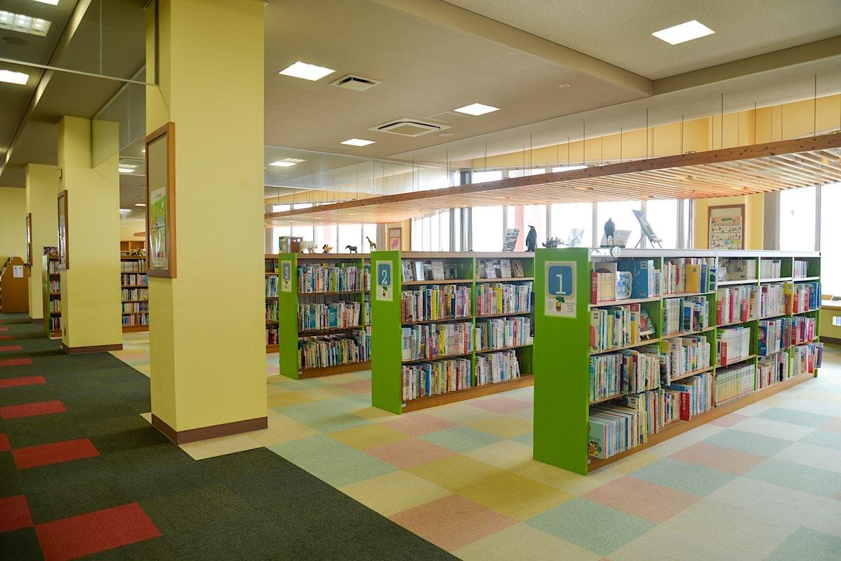 あやかりの杜図書館・キャンプ場