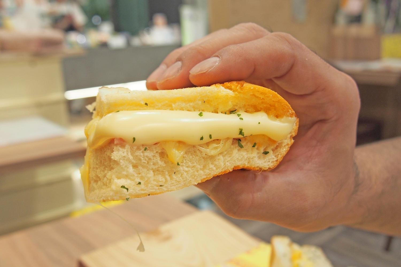 あふれる位のとろけるチーズ