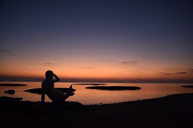 沖縄の穴場ビーチ「中城モール裏ビーチ」