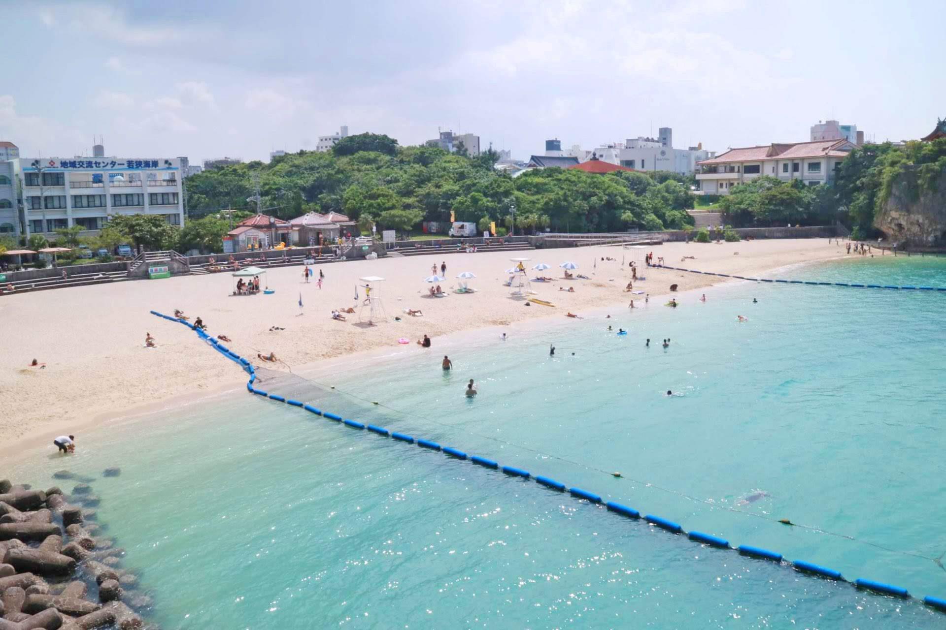 沖縄南部「波の上ビーチ」