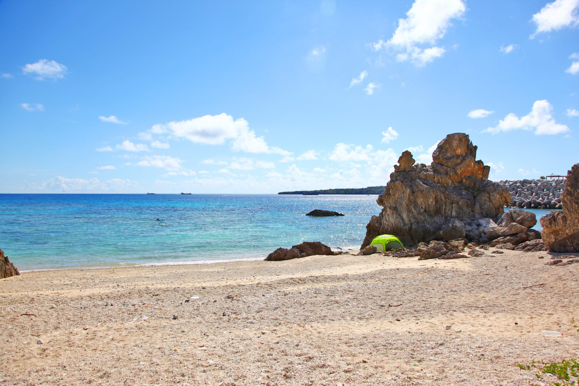沖縄の穴場ビーチ「塩川ビーチ」