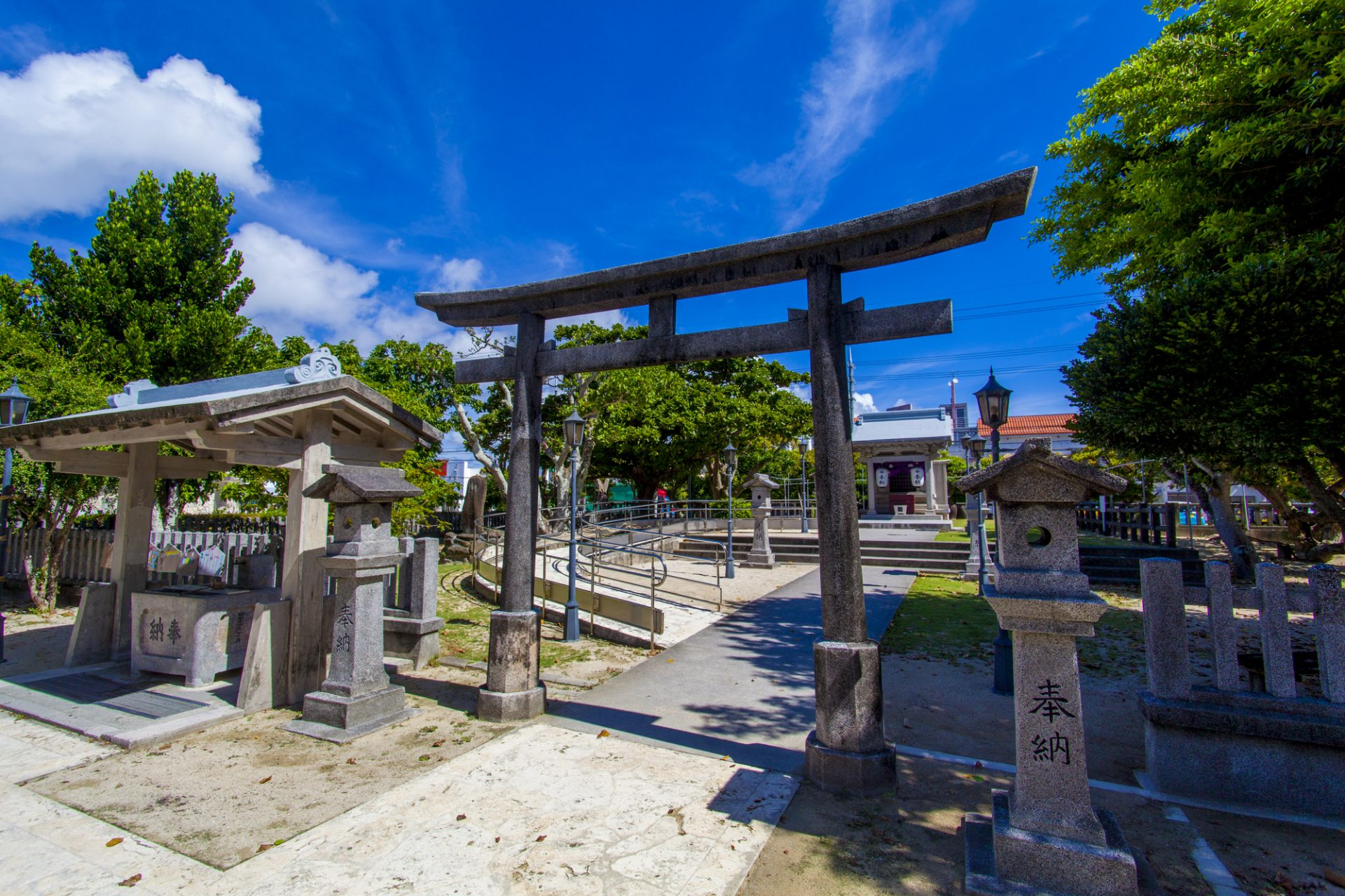 沖縄市の観光スポット⑥「泡瀬ビジュル」
