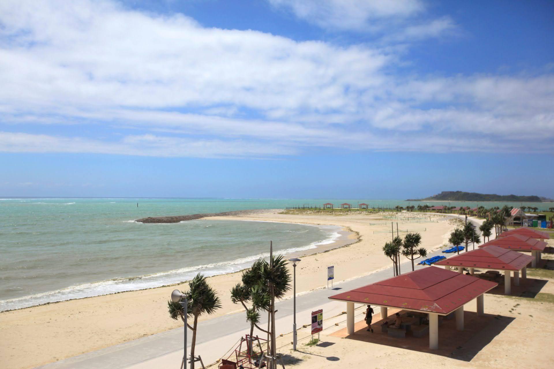 豊崎美らSUNビーチ 豊見城市 沖縄 おすすめ ビーチ 離島 旅行