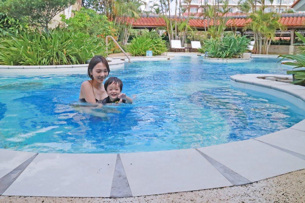 プール付きの沖縄ホテル「ザ・ビーチタワー沖縄」
