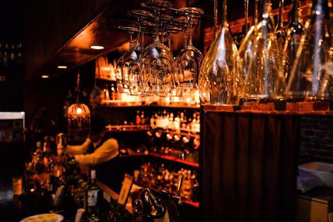 クラシックな店内でしっとりと モヒート片手に過ごす沖縄の熱帯夜 那覇市久茂地のApplause Bar&Dish