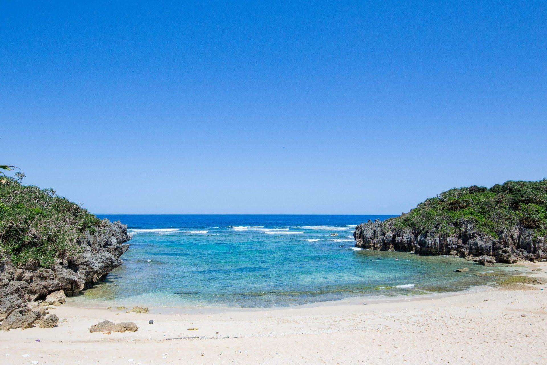 沖縄の穴場ビーチ「トケイ浜」