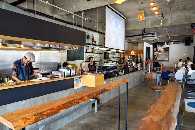 沖縄の夜カフェ「ギャラリーカフェ しょう」名護市
