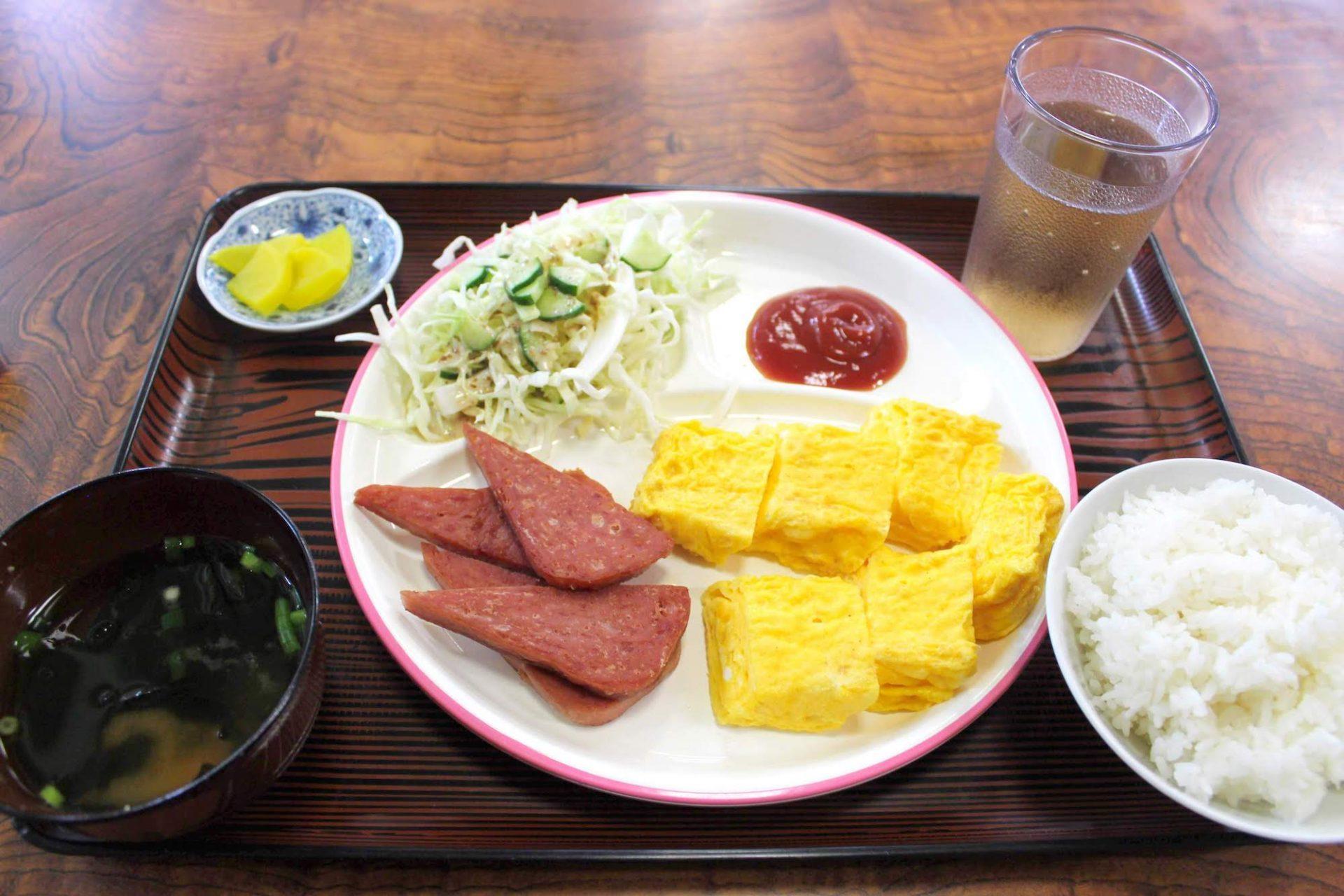 たんなは屋 名護市 おすすめ 食堂 ランチ 沖縄 昼食