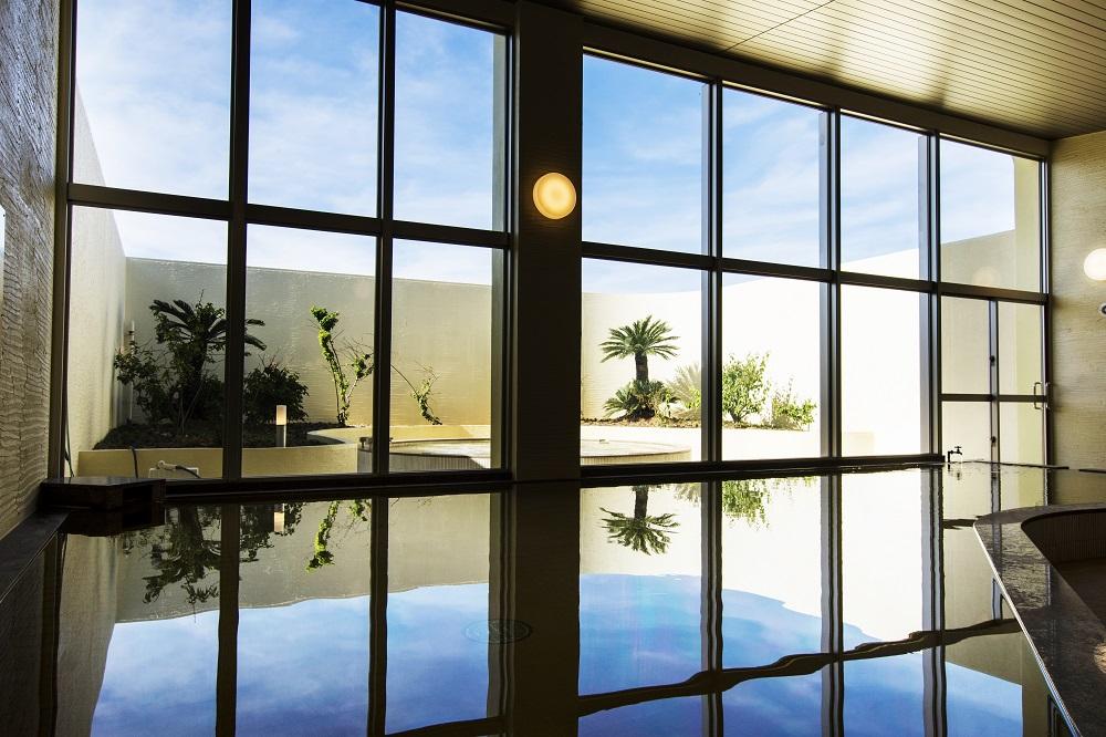 温泉つきの沖縄ホテル「AJリゾートアイランド伊計島」