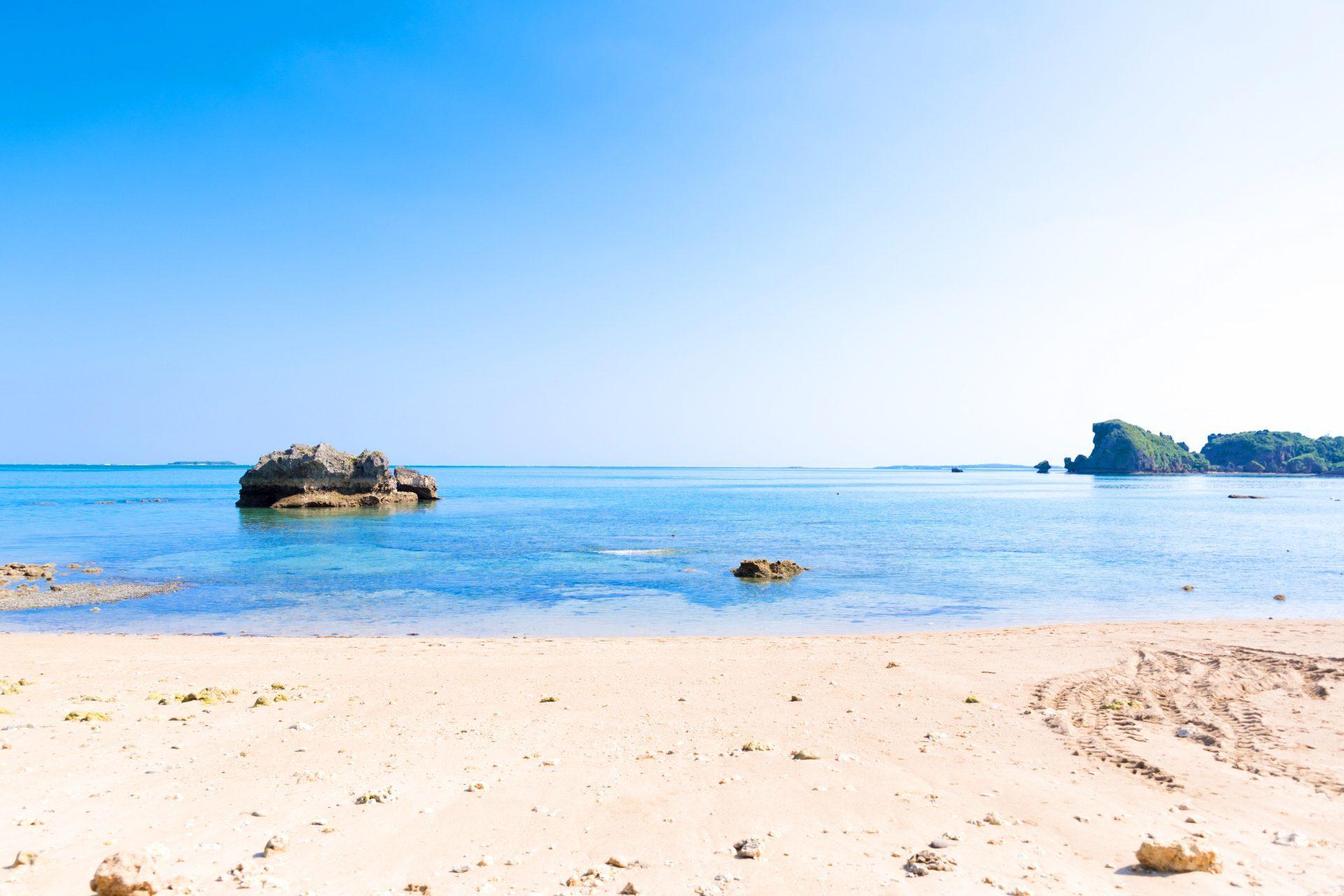 うるま 市 観光 浜比嘉島のビーチ