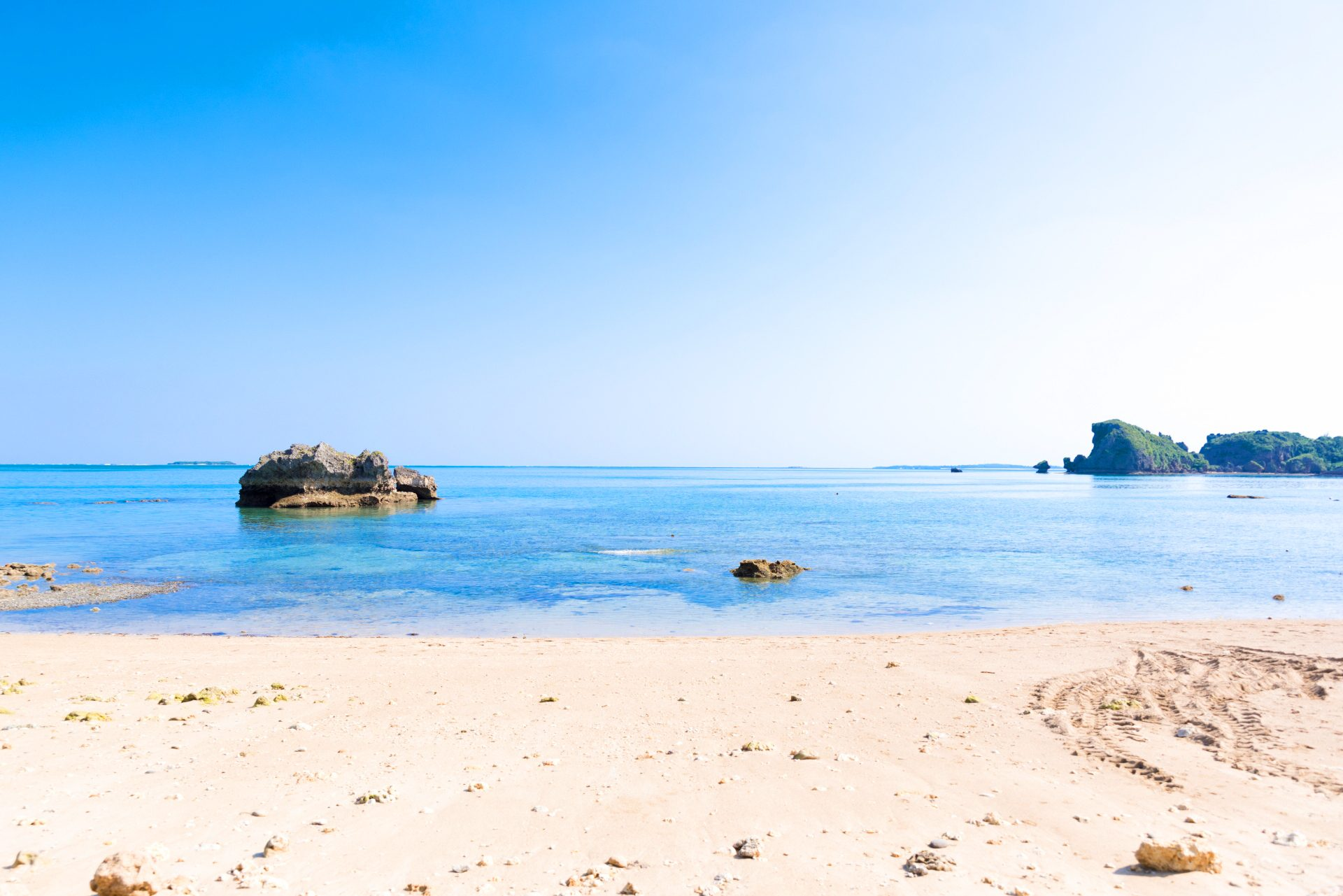 美しい海にぐるりと囲まれた「浜比嘉島」のビーチを紹介!