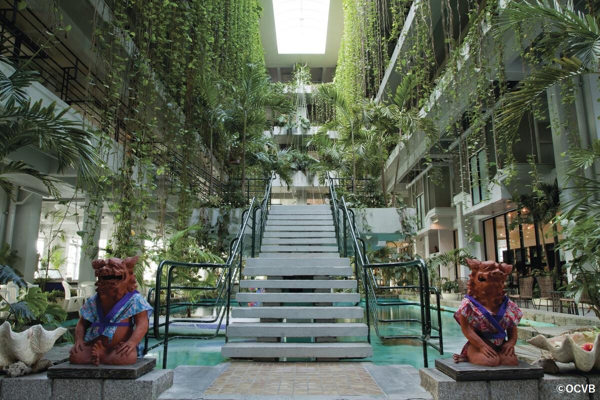 アトリウムプール ホテル ムーンビーチ 恩納村  おすすめ 西海岸 沖縄 旅行 観光
