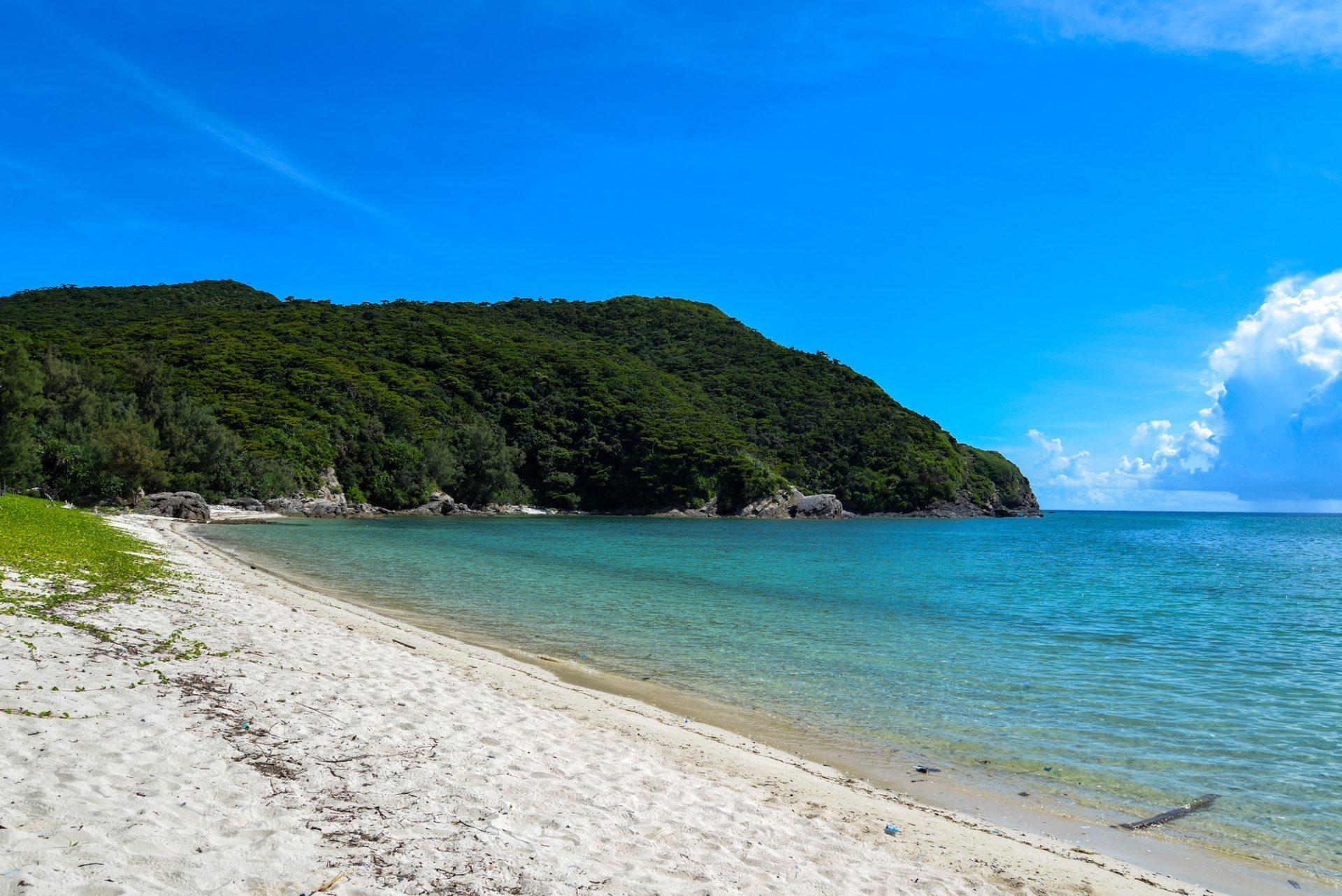 朝日を望む隠れスポット!?自然豊かな「イノーの浜」