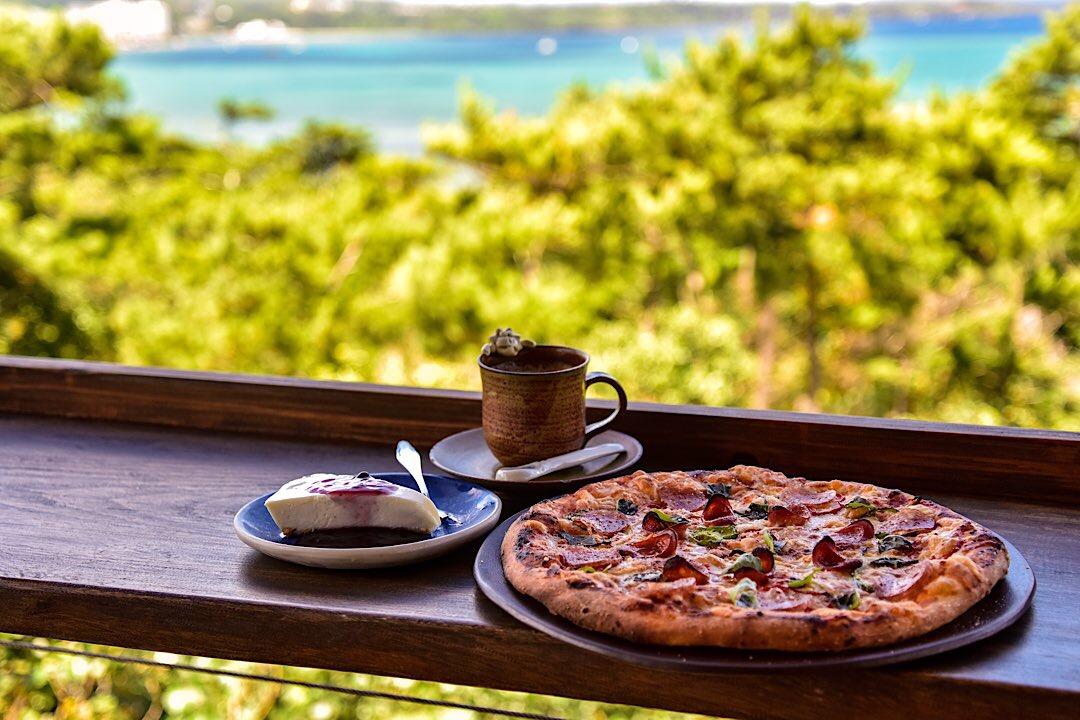 沖縄の絶景カフェ「土花土花」
