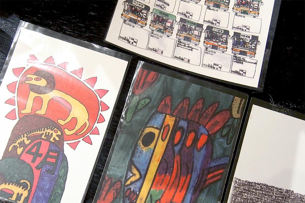 個性的なデザインが印象的なポストカード