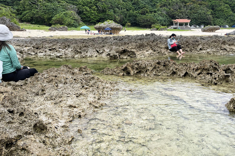 具志頭浜にある潮だまり