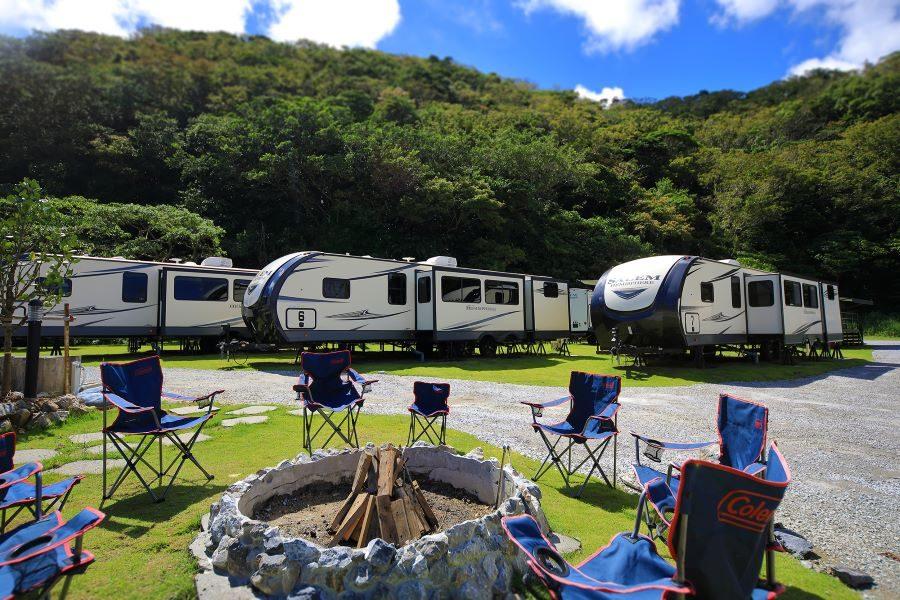 Tamaru Camping Okinawa 本部町 沖縄 美ら海水族館 近く キャンプ 宿泊 トレーラー おすすめ 旅行 観光