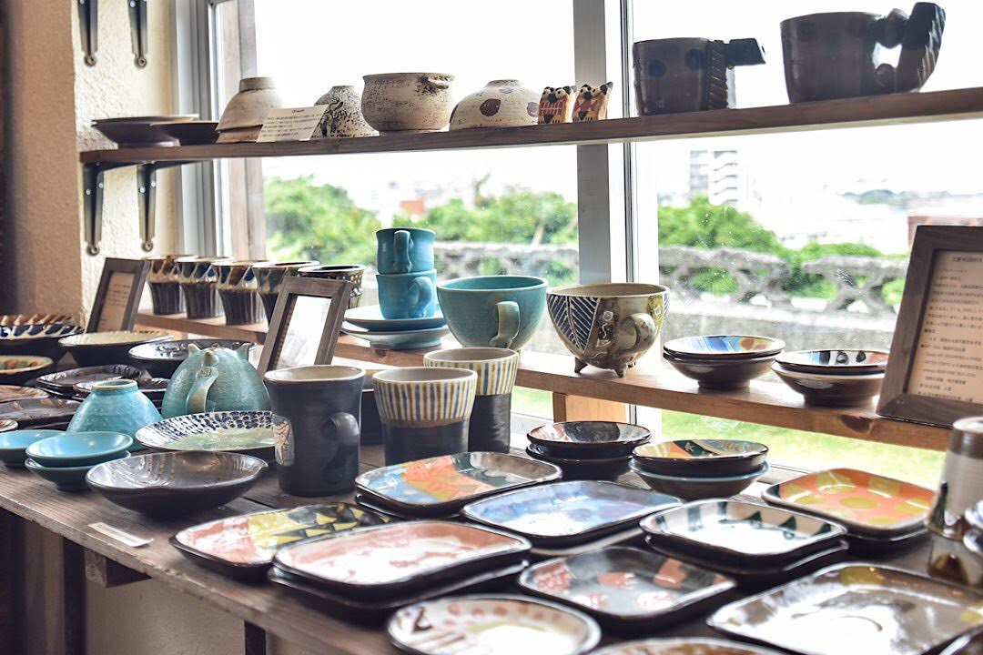 沖縄 カップル やちむんと暮らしの道具 mano 宜野湾市 雑貨