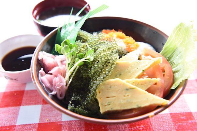 恩納村水産物直売店 浜の家 恩納村 沖縄 海鮮丼 魚 おすすめ