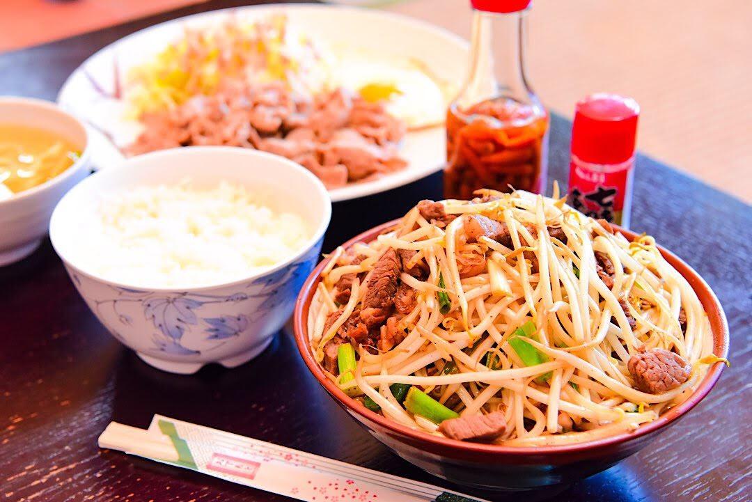 前田食堂 名護市 おすすめ 食堂 ランチ 沖縄 昼食