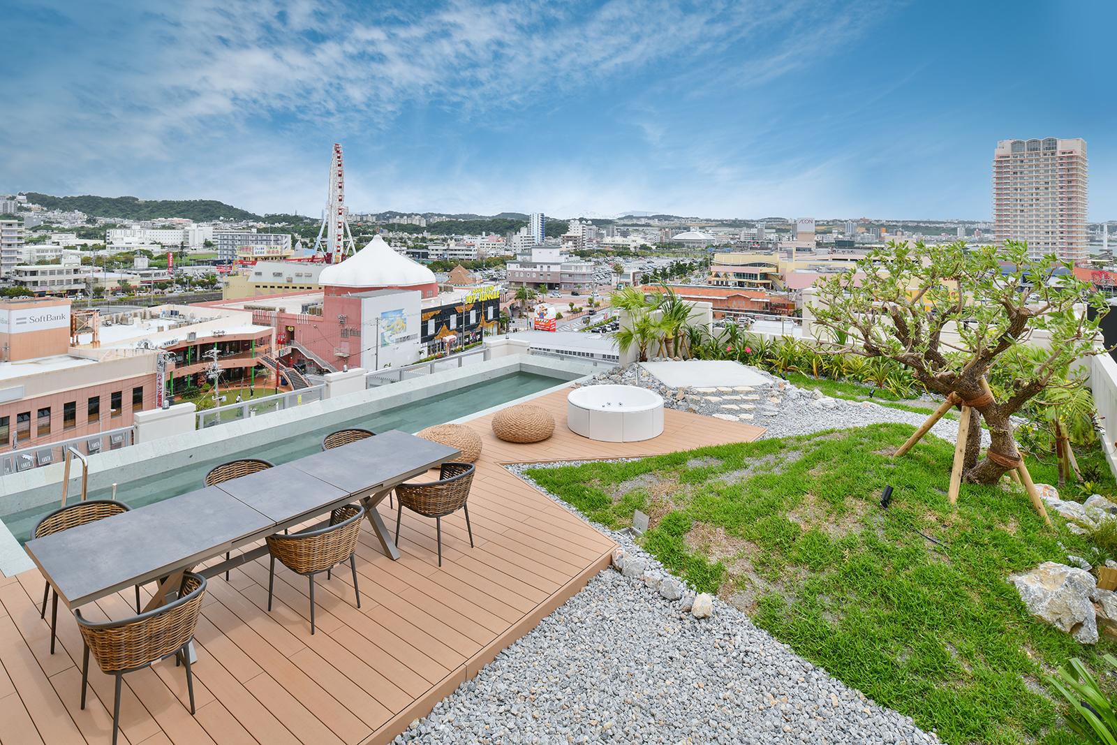 レク―沖縄北谷スパ&リゾート プレミア  ダイヤモンドスイート プール