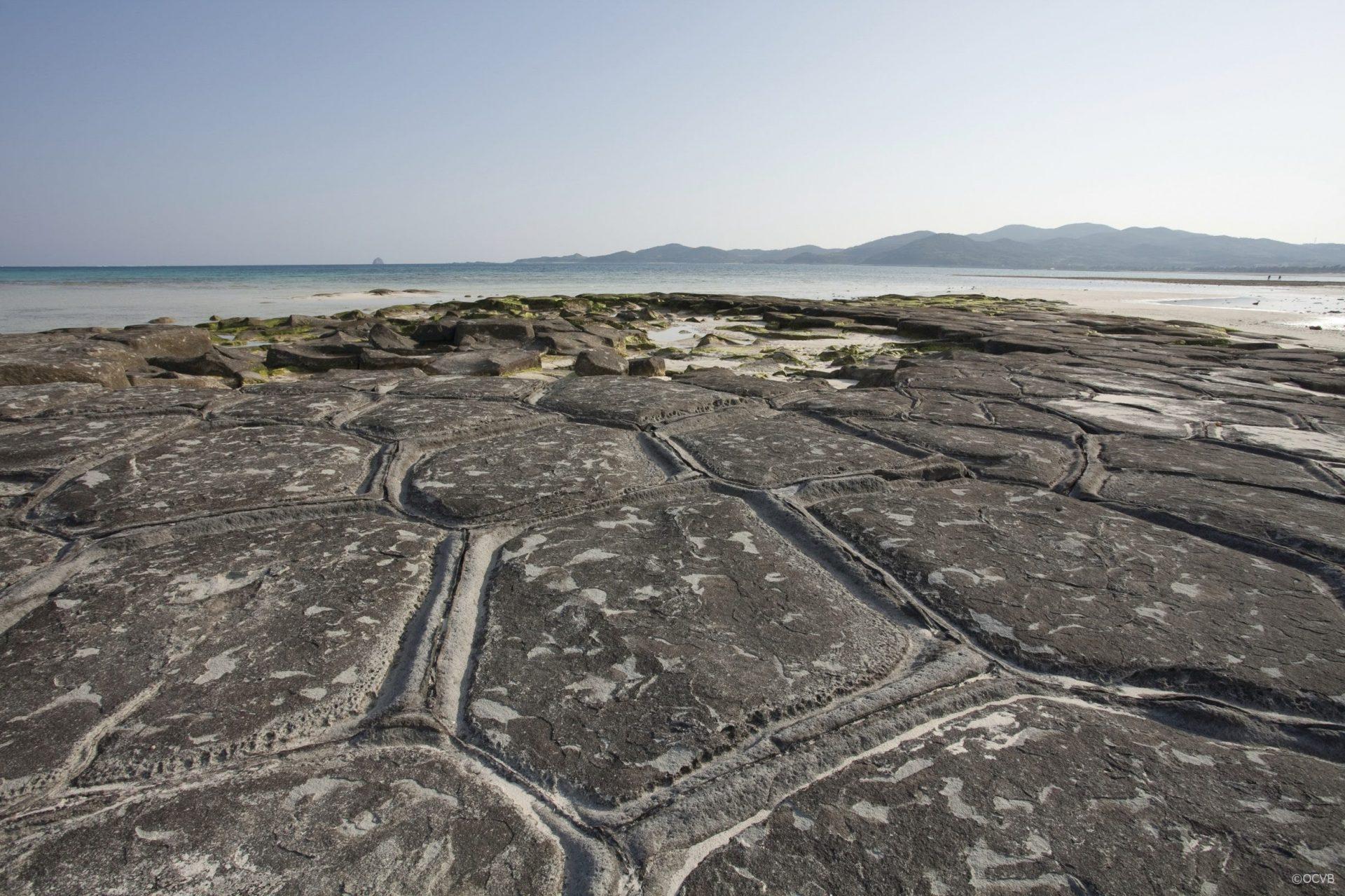 久米島 旅行 畳石