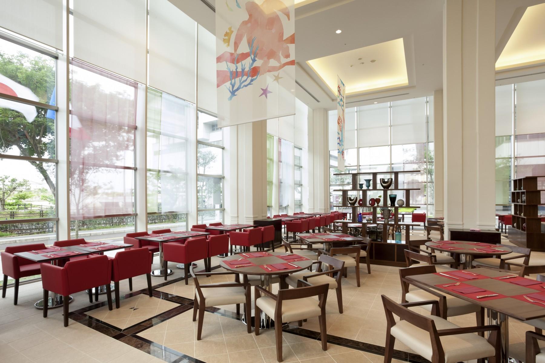 メルキュール ホテル 沖縄 那覇 BISTRO de La mer ビストロ ドゥ ラ メール レストラン