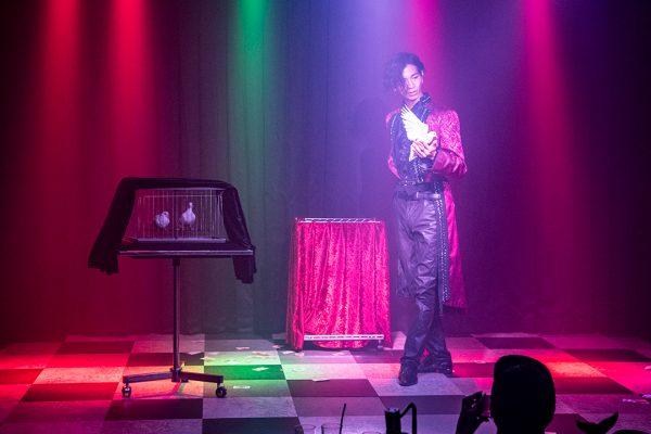 マジシャンたちが北谷の夜に魔法をかける!? 本格マジックのお店「海の魔法レストラン MAGIC OCEAN」