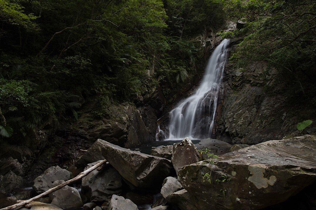 比地大滝 国頭村 沖縄 景色 絶景 スポット