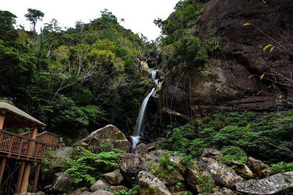 轟の滝 公園 名護市
