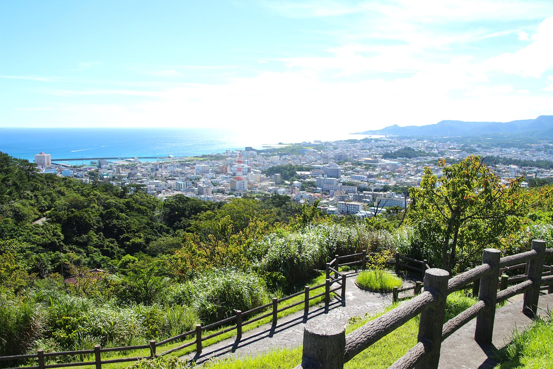 名護城公園で最も絶景を一望できる場所