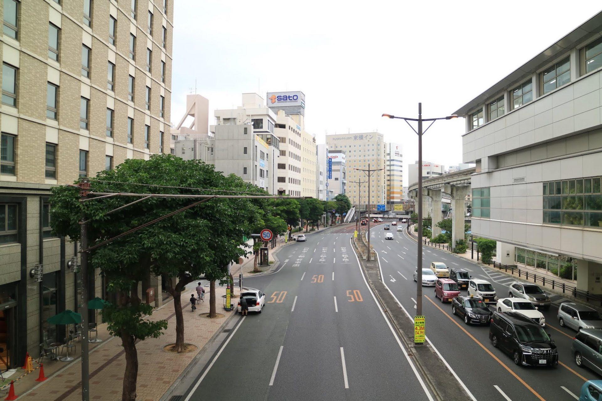旭橋駅から見た国道58号線