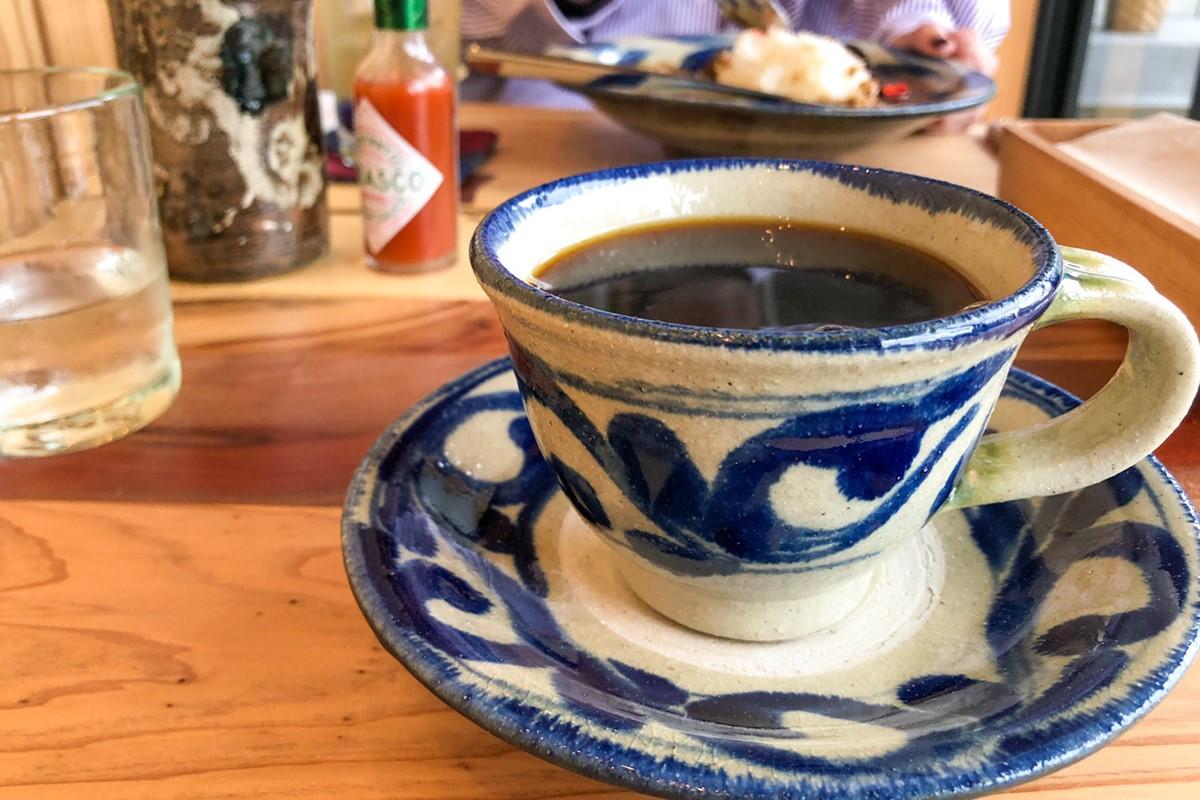 Clay Coffee & Gallery やちむん カフェ 沖縄 おすすめ