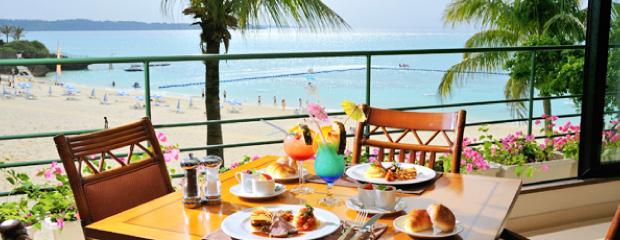 オールデイダイニング コラーロ ホテルムーンビーチ 恩納村 ホテルランチ おすすめ 昼食 旅行 観光 沖縄