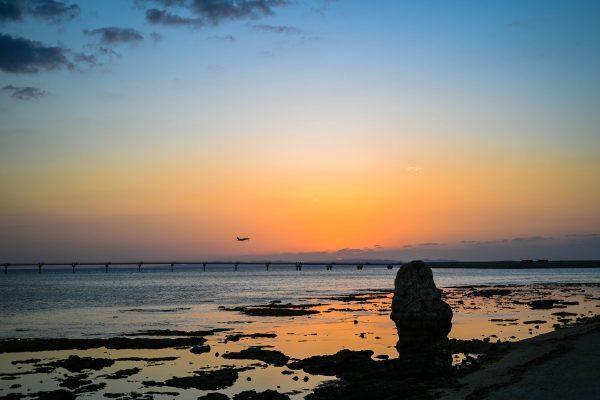 瀬長島 沖縄 夕日 絶景 スポット 海 旅行 観光 おすすめ