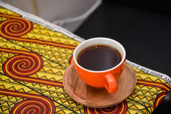 優しさいっぱいの絶品ルワンダコーヒーを味わう ボランティアとコーヒーで世界と繋がる読谷村のカフェ「Tobira Cafe」